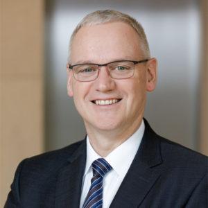 Dr. Stefan Hussy
